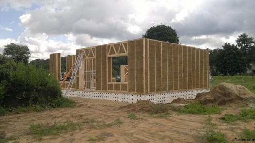 straw-structural-panels-eco-cocon-4-527x296